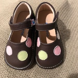 978de8b909 New Bwn grn pink squeaker Mary Janes sz toddler 6. NWT